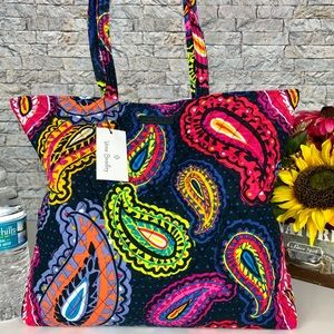 🆕 Vera Bradley Essential Tote Bag